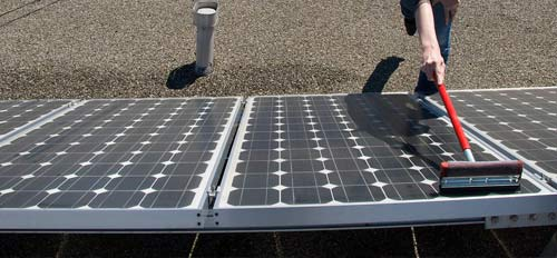 Le nettoyage de vos panneaux solaires peut augmenter votre rendement