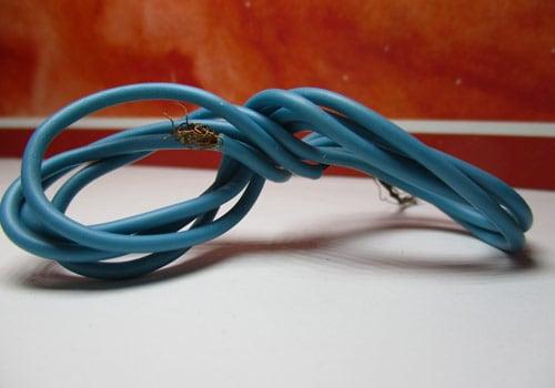 Contrôlez l'état et la protection de vos câbles d'onduleurs solaires