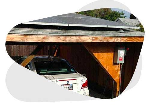 Installer des panneaux solaires sur un abri de voiture allie praticité et économie.