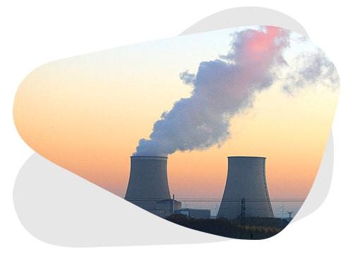 Pour remplacer une centrale nucléaire, il faut un certain nombre de panneaux solaires.