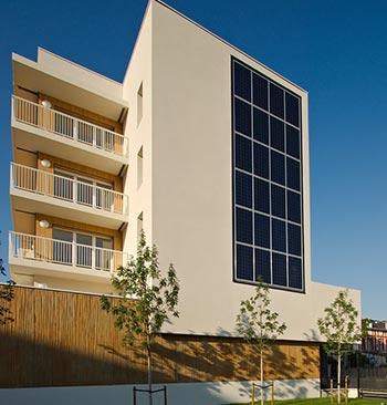 Evitez l'installation de panneaux solaire en façade