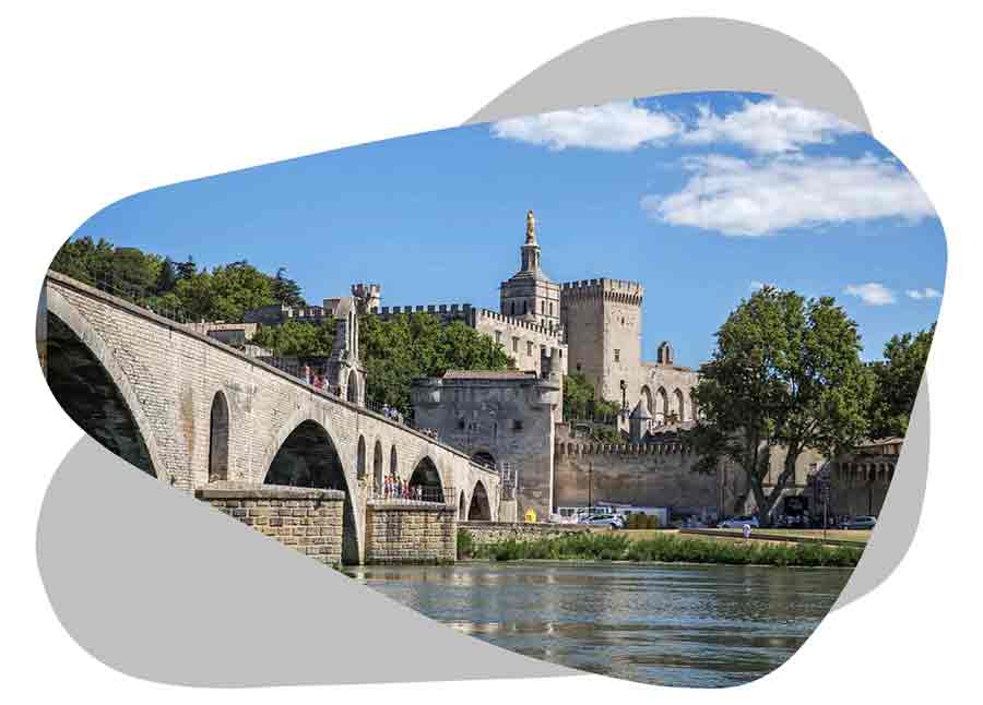 Nouvel'R Énergie effectue votre maintenance photovoltaïque et l'entretien de vos panneaux solaires à Avignon