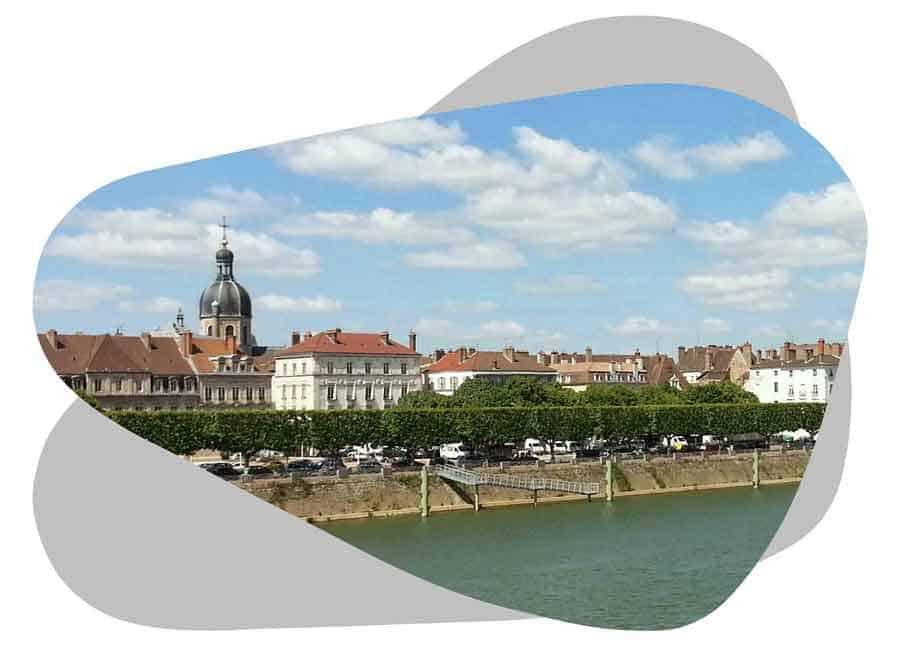 Nouvel'R Énergie effectue votre maintenance photovoltaïque et l'entretien de vos panneaux solaires à Chalon-sur-Saône