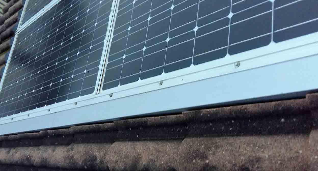 Nouvel'R vous explique l'installation de panneaux solaires en intégration simplifiée
