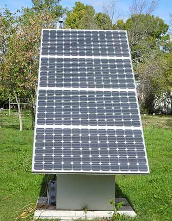 Découvrez les contraintes des panneaux solaires au sol