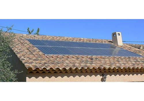 Découvrez comment se passe l'installation des panneaux solaires.