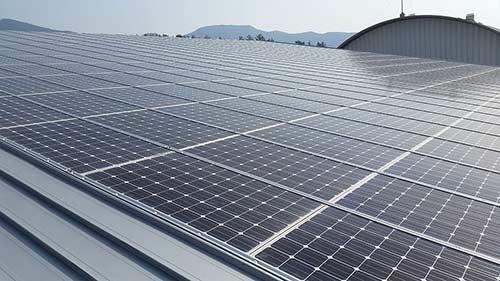 Financez votre hangar grâce à la location de toiture photovoltaïque