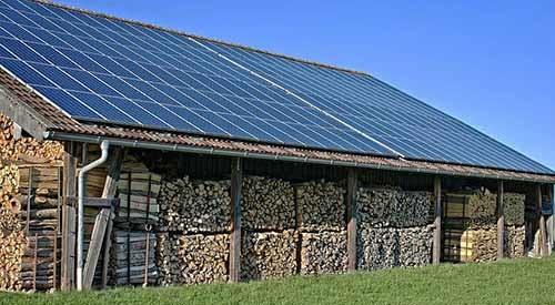 Pour louer sa toiture et installer des panneaux solaires, il faut répondre à quelques critères.