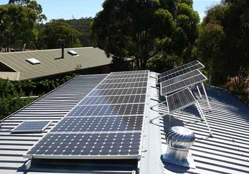 Prenez en compte les caractéristiques de votre habitation avant d'installer des panneaux solaires polycristallins