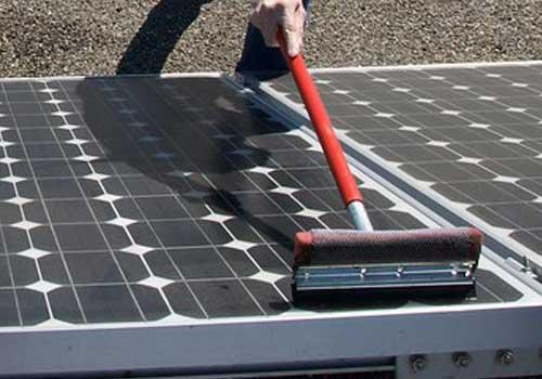 Le panneau solaire hybride demande un entretien régulier