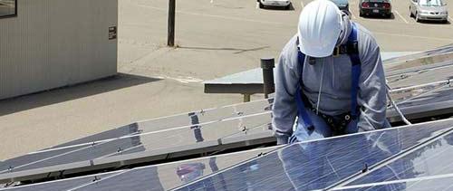 Choisissez un installateur solaire local pour la pose de vos panneaux