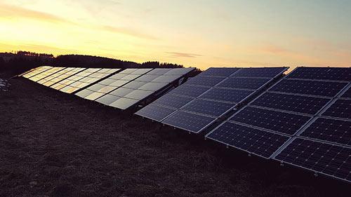 Le panneau nocturne est un nouveau type de panneau solaire