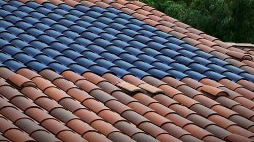 Découvrez le Solar Roof Tesla pour les tuiles solaires