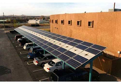 Découvrez s'il est possible d'installer des abris voitures solaires.