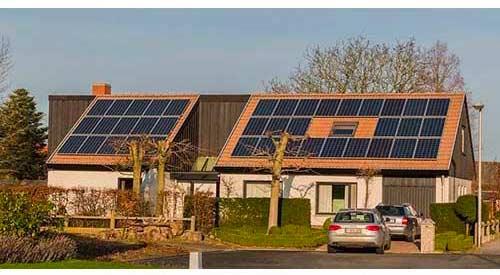 Un panneau aérovoltaïque est différent d'un panneau solaire.