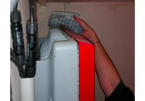 L'onduleur de chaîne demande un nettoyage régulier des poussières.