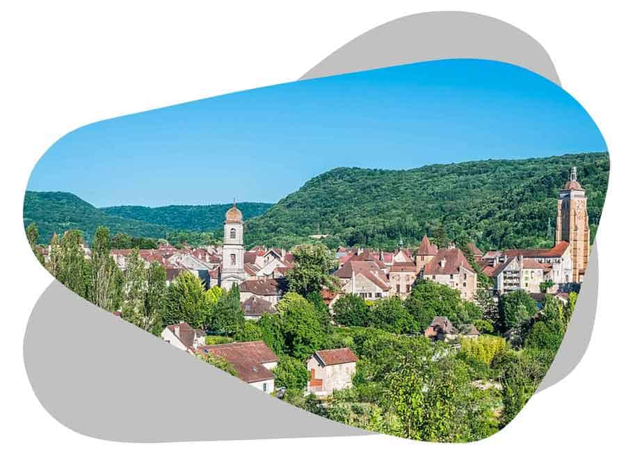 Nouvel'R Énergie effectue votre maintenance photovoltaïque et l'entretien de vos panneaux solaires dans le Jura