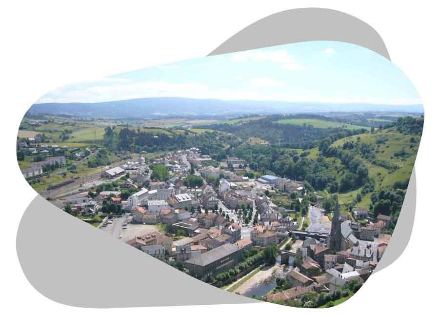 Nouvel'R Énergie effectue votre maintenance photovoltaïque et l'entretien de vos panneaux solaires dans le Cantal