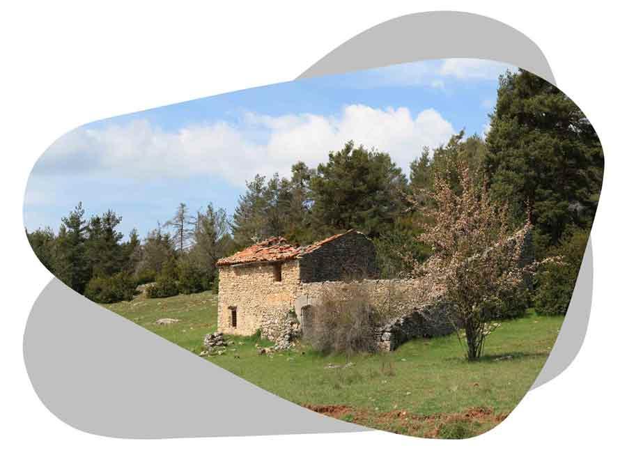 Nouvel'R Énergie effectue votre maintenance photovoltaïque et l'entretien de vos panneaux solaires dans lesAlpes-de-Haute-Provence