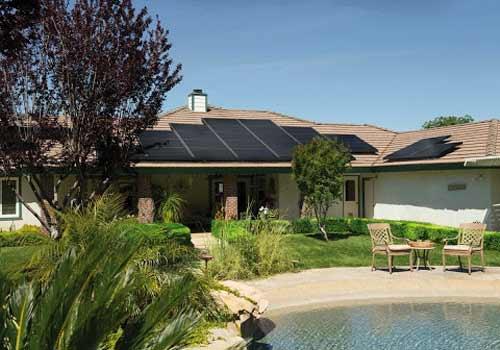 Le prix de rachat de l'électricité photovoltaïque est fixé par la CRE.
