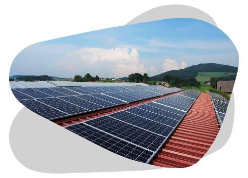 Les panneaux solaires en toiture peuvent s'installer de différentes façons