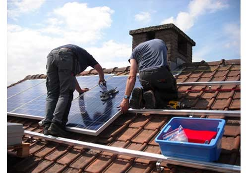 Les panneaux solaire vous donnent l'occasion d'accéder à la prime à l'autoconsommation