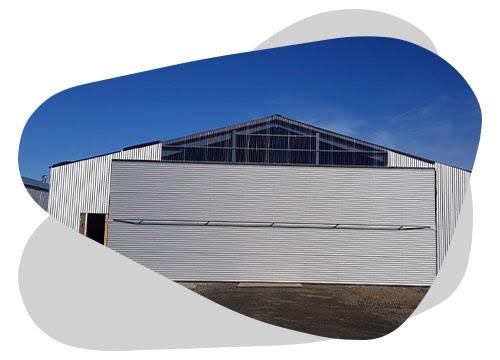 Le hangar photovoltaïque est une solution pour faire des économies sur votre facture d'électricité.
