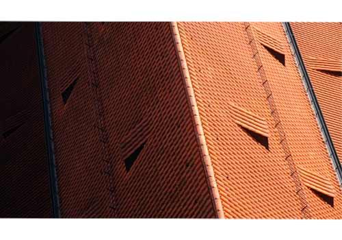 Si la toiture est ombragée, vous pouvez installer des micro-onduleurs.
