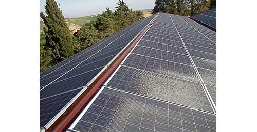 L'ardoise solaire est moins efficace qu'un panneau solaire