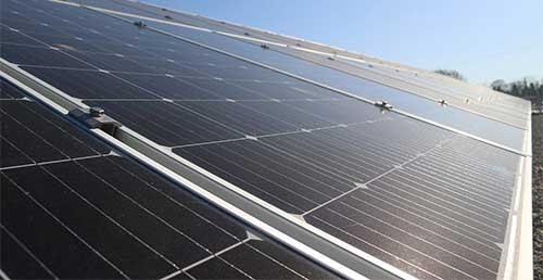 Le prix des panneaux solaires dépend de la gamme et de la marque.