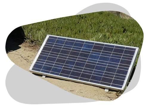 Un panneau solaire plug and play est un système photovoltaïque qui produit de l'électricité