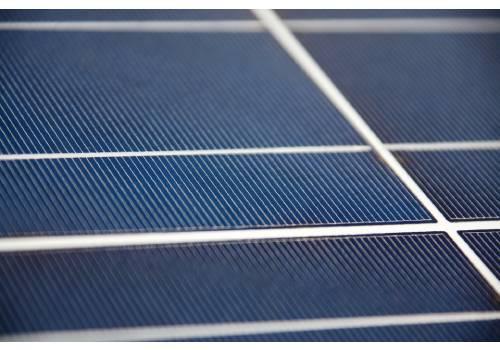 La serre photovoltaïque vous permet de produire des fruits et légumes tout en produisant de l'électricité