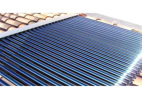 Les panneaux solaires à capteurs à tube sous vide peuvent être installer avec un chauffe eau thermosiphon.
