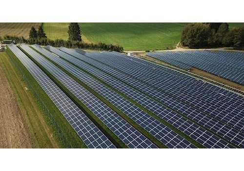 Les panneaux solaires à capteurs plans peuvent être installer avec un chauffe eau thermosiphon.