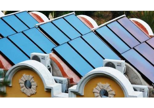 Le capteur plan est une forme de module solaire thermique.