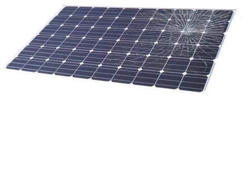 Le bris de glace sur un panneau solaire peut entraîner une panne
