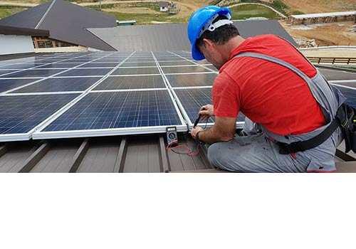 Effectuez des maintenances préventives pour éviter les travaux de réparation photovoltaïque.