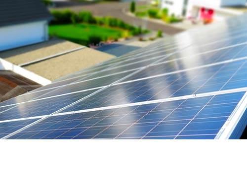Les panneaux solaires produisent moins pendant les canicules
