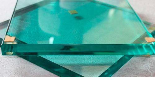 Le verre trempé pour remplacer la vitre d'un panneau solaire