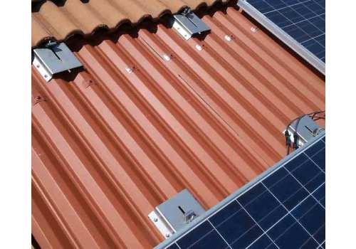 Nouvel'R intervient pour régler vos problèmes de fuites sous panneaux solaires