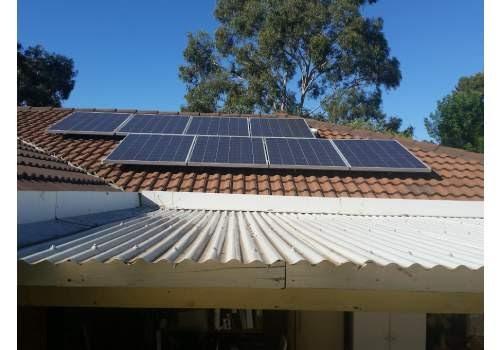 La réglementation photovoltaïque est à vérifier avant de se lancer.