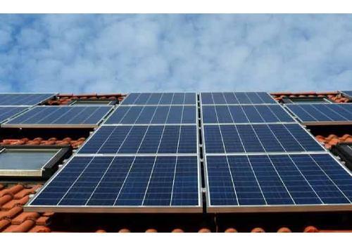 Installer des panneaux solaires en autoconsommation permet de faire de belles économies..