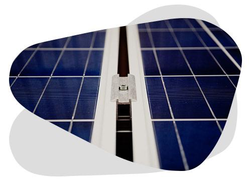 Le panneau solaire avec batterie intégrée vous permet d'être autonome partout.