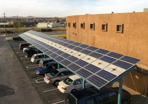 Un carport solaire est un excellent moyen de produire de l'énergie solaire