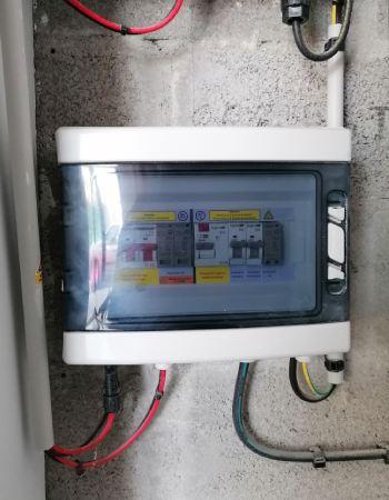 L'installation d'un coffret de protection AC et DC sécurise votre installation électrique.
