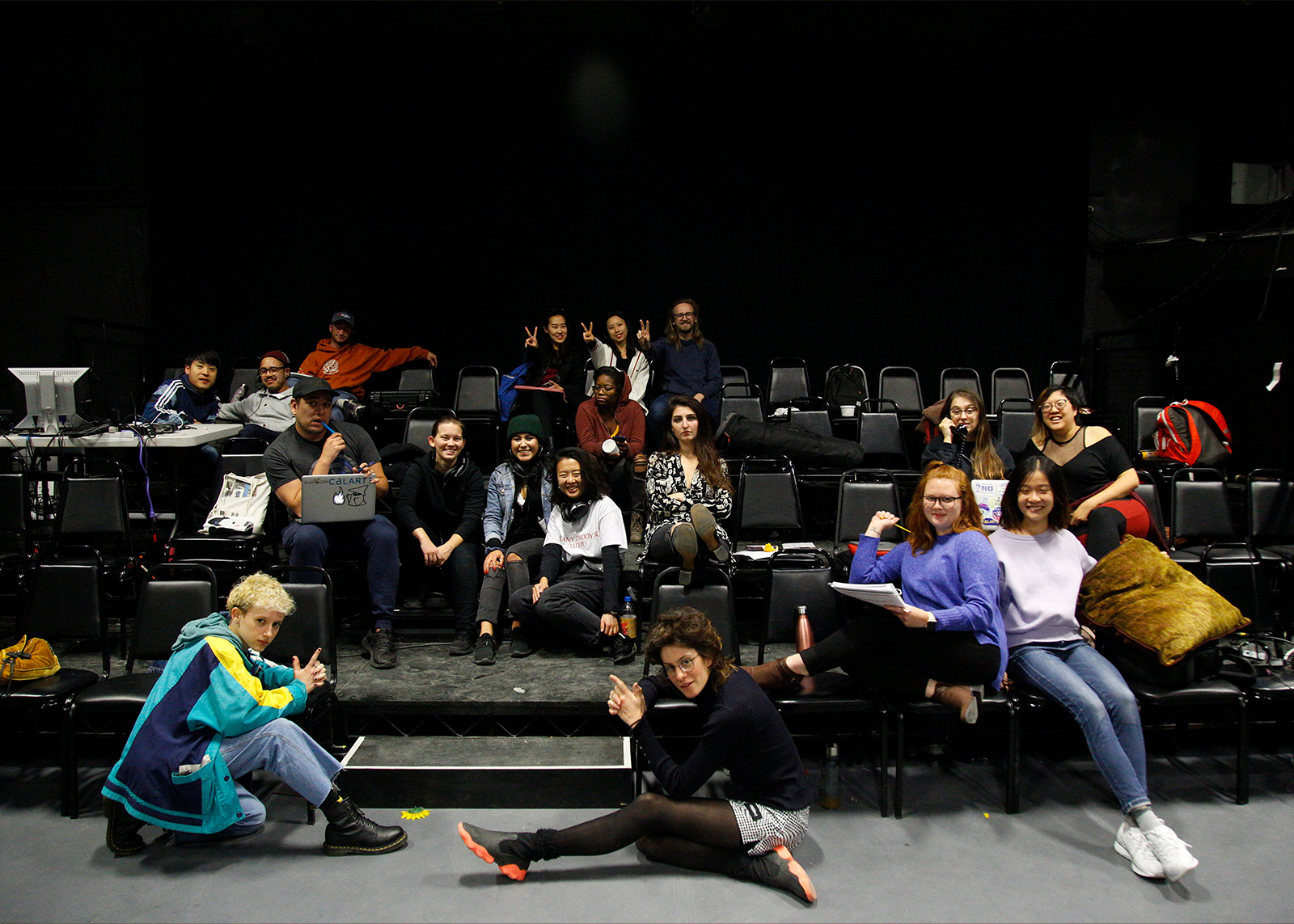 Group photo after tech of 'Machinal', December 2019.