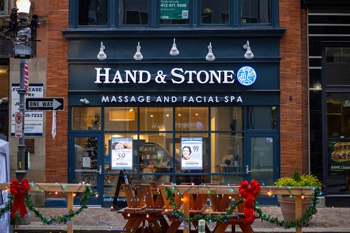 Hand and Stone storefront