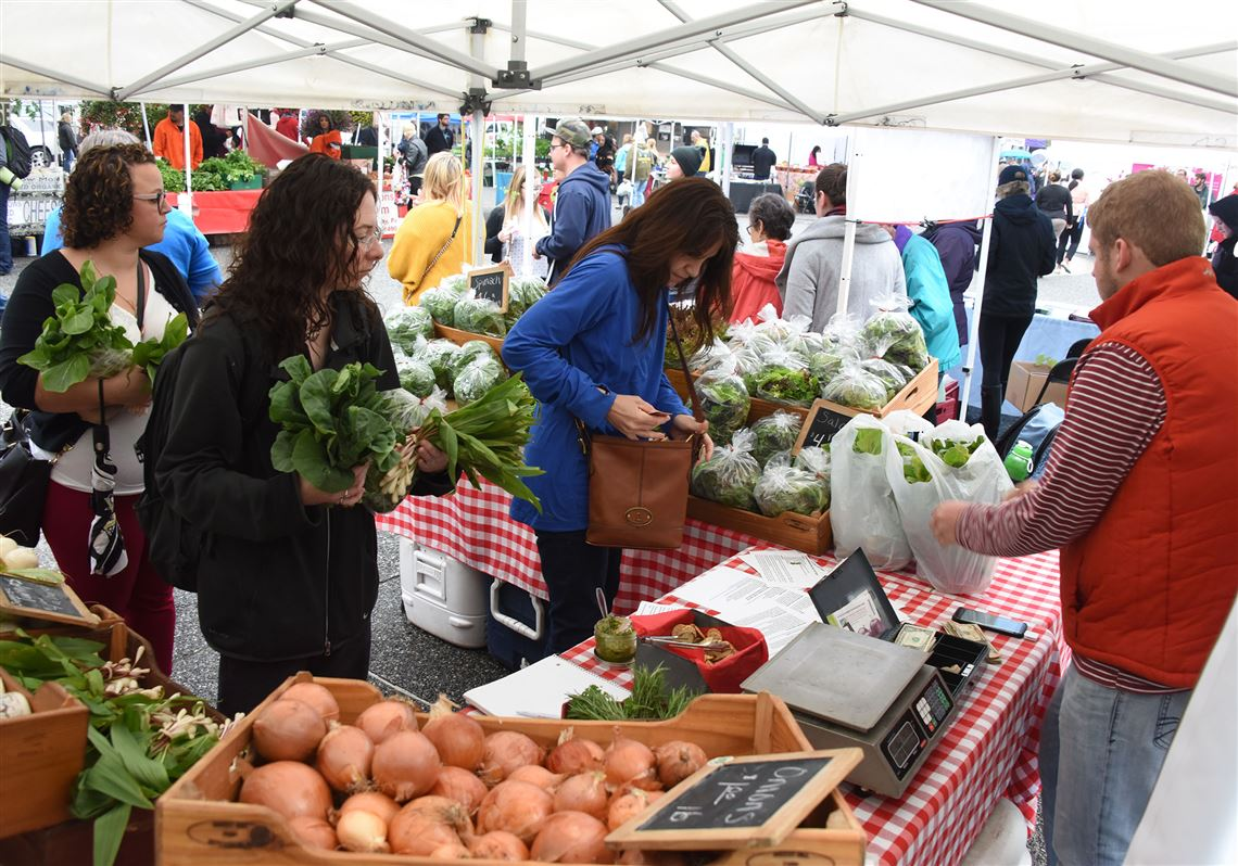 people shopping at the Pittsburgh farmer's market