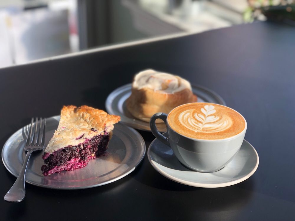 coffee and dessert from Kaibur Coffee