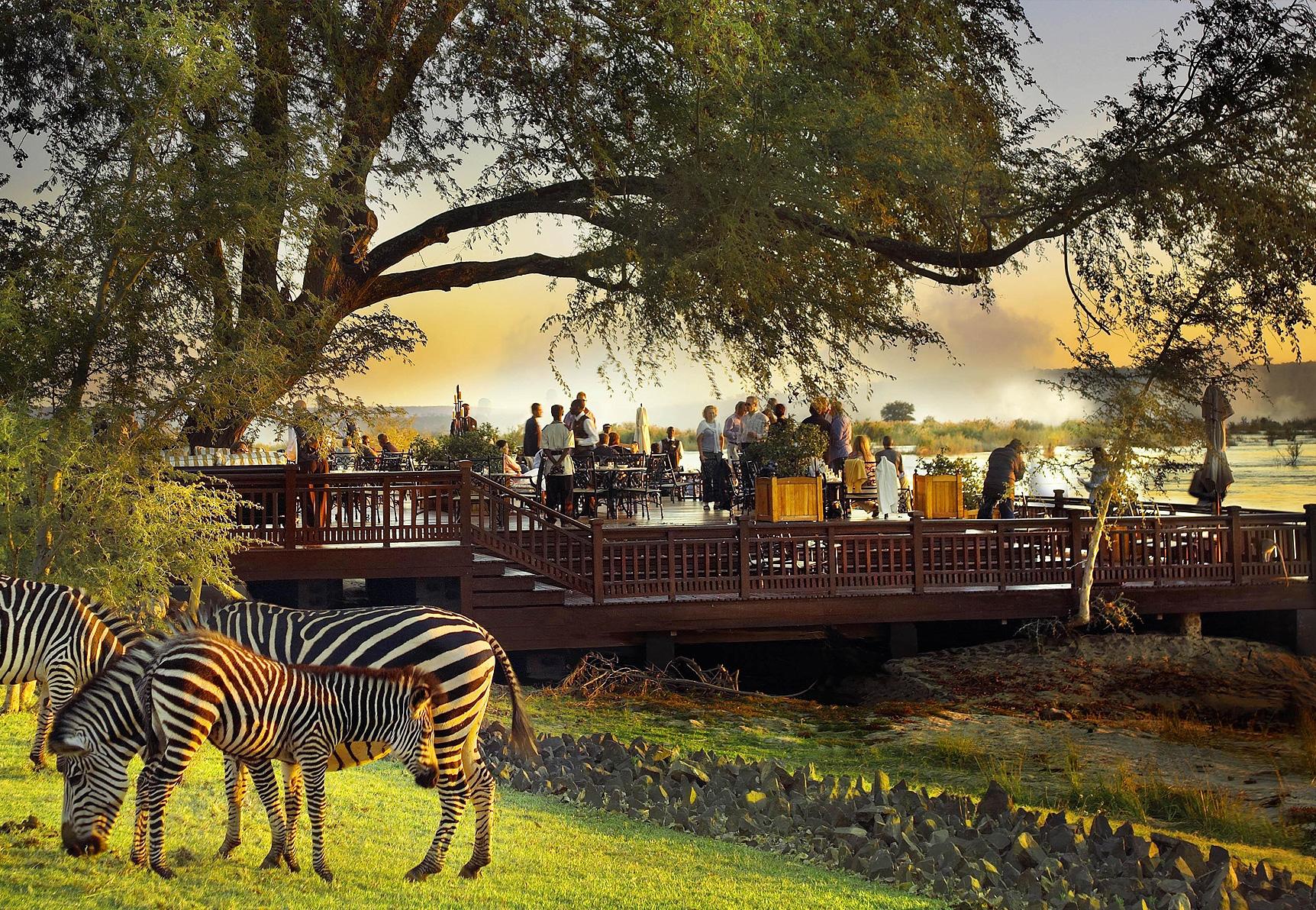 Vic Falls: Zimbabwe or Zambia? inline image 5bf3c35179d35